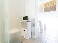 個室の待合室(モニター付き)